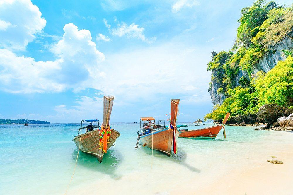 Bangkok & Phuket w/Phi Phi Island Day Trip