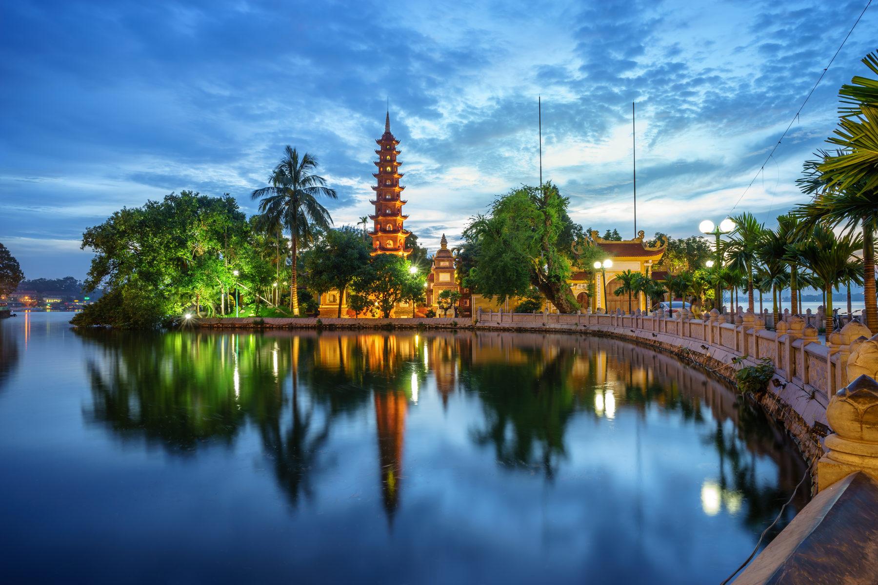 Vietnam Highlights & Beach